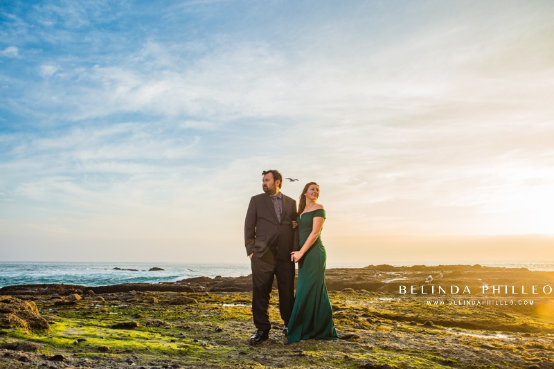 engagement session at laguna beach. Couple poses for sunset photos. Photography by Belinda Philleo