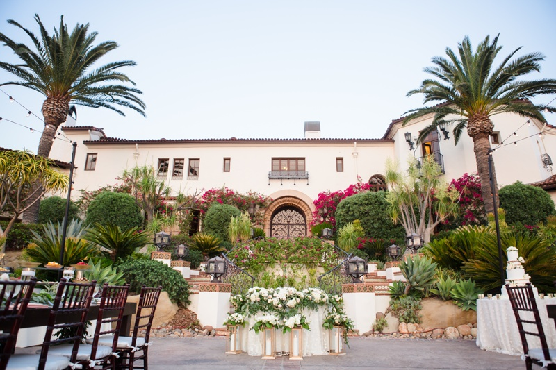 Outdoor wedding reception in front of the Villa at Hummingbird Nest Ranch